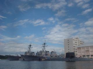 写真160415fri 横須賀港.jpg